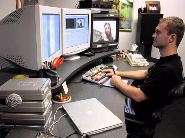 Editing_passion_trailer_2004